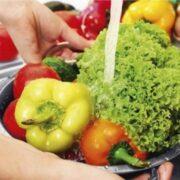 ¿Qué es la contaminación cruzada en los alimentos?