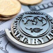 FMI exhortó a los países a incrementar los estímulos económicos