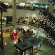 Centros comerciales piden flexibilización para resguardar los empleos