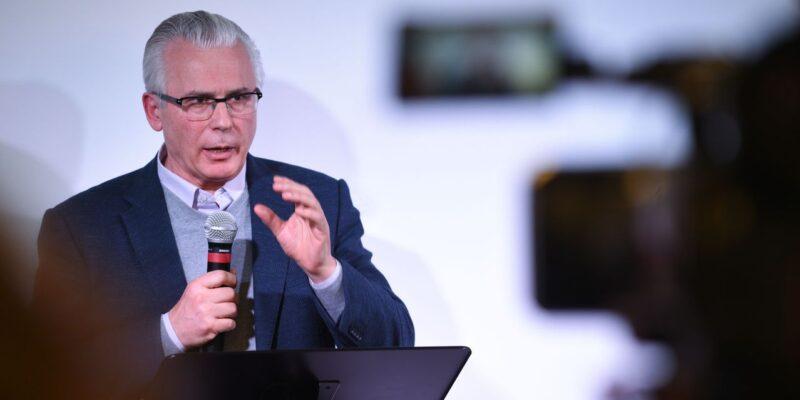 Baltasar Garzón testificará sobre el espionaje a Assange