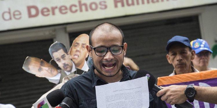 Detienen a un periodista y activista durante manifestación en Caracas