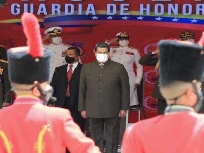 Maduro encabezó acto de ascenso de 391 oficiales y profesionales de la FANB