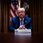 Trump sugiere postergar las elecciones en Estados Unidos