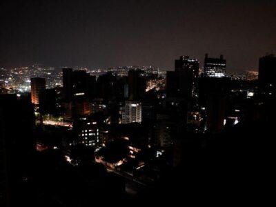 Caracas y al menos otros 12 estados venezolanos sufrieron nuevas fallas eléctricas