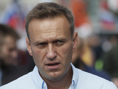 Alexei Navalni será atendido en hospital de Berlín