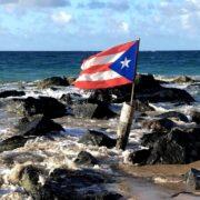 La Guardia Costera advirtió a la comunidad marítima que debe permanecer alerta ante los pronósticos por la onda Invest 98L y tomar las precauciones necesarias