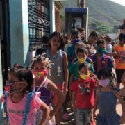 Movimiento Integral para la Vida visitó y brindó atención a niños de Los Jardines