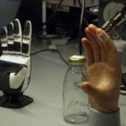 Investigadores desarrollaron una piel artificial con tacto