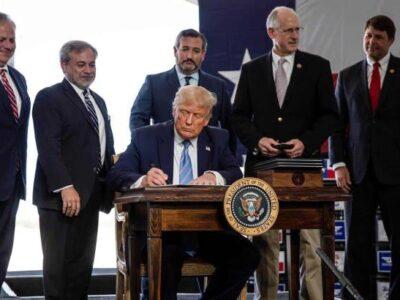 Trump aprueba la declaración de emergencia en Florida por el huracán Isaías