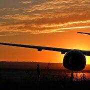 EE.UU. flexibilizó las restricciones de viajes al exterior