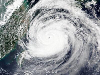 Japón se prepara para Haishen, el tifón más fuerte en décadas
