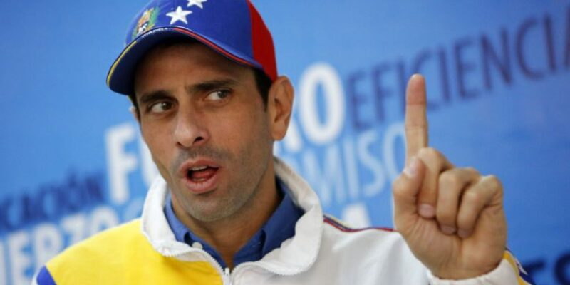 "Capriles critica a Guaidó por ""jugar a ser presidente en internet"""