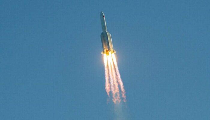 Los Emiratos Arabes Unidos (EAU) lanzarán un vehículo al satélite natural de la tierra