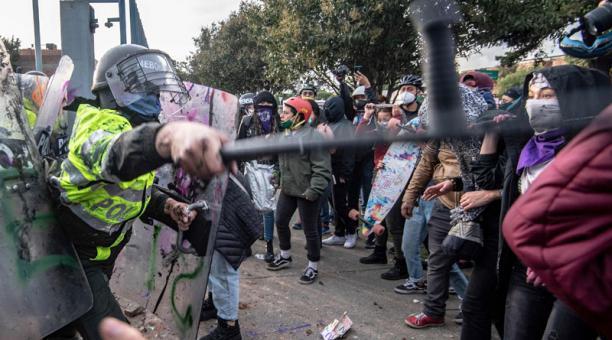 Cada día más personas se unen a las protestas