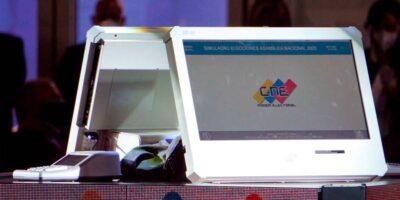 Técnicos de Turquía, Argentina, Rusia y Suráfrica auditan las máquinas de votación