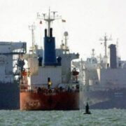 Presuntamente Pdvsa busca transferir petróleo a sus socios lejos de las costas
