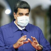 Maduro extendió la flexibilización para los sectores comerciales