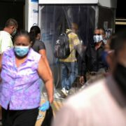 Las autoridades del país se encuentran trabajando tras descubrir una serie de tramas ilícitas con respecto a insumos médicos