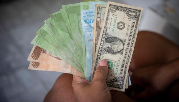Jesús Cacique: Impresión de bolívares sin respaldo disparó el dólar