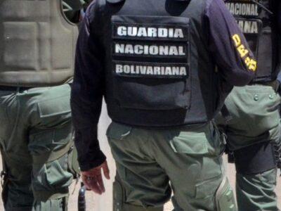 Cuatro detenidos con armas largas cerca de la frontera con Colombia