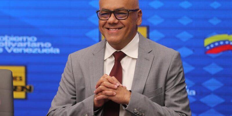 Jorge Rodríguez pidió a los comandos electorales buscar el voto sin descanso