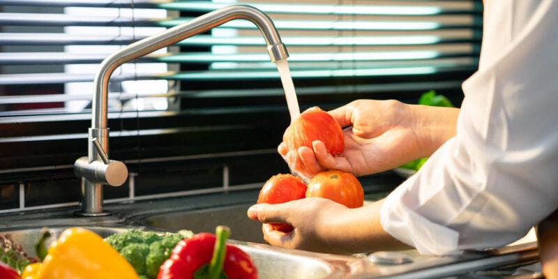 Rosisella Puglisi - Covid, alimentos y precauciones: Su correcto lavado y el proceso de cocción