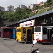 El viceministro de Transporte, Claudio Farías, informó que las instalaciones de autobuses deberán contar con medidas de bioseguridad