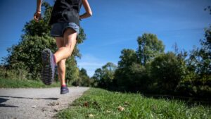 OMS recomienda cinco horas de ejercicio semanal