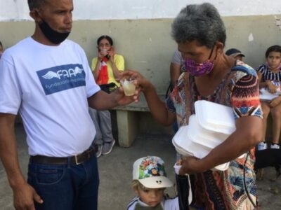 Llegada de la Navidad: Enrique Romero y Alma Amiga hicieron donativos en Petare