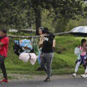 OEA: Cierre de fronteras lleva a venezolanos a salir del país por trochas