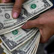 Venezuela se convirtió en una economía enana, según Leonardo Buniak