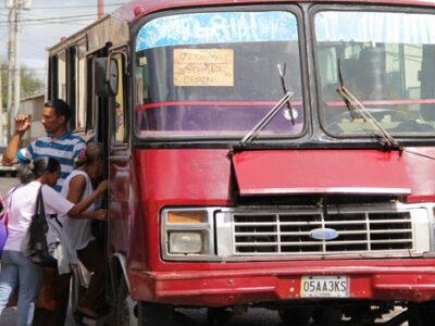 Gobierno suspende las rutas interurbanas debido a la nueva cuarentena radical