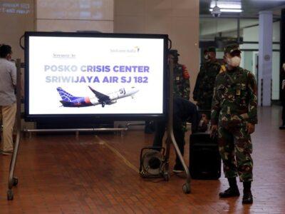 Doble Llave -Al menos 62 personas perdieron la vida tras accidente aéreo en Indonesia