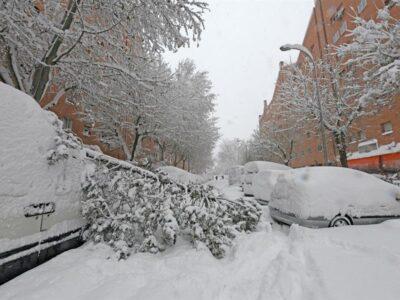 DOBLE LLAVE - Temporal de nieve en España colapsa Madrid