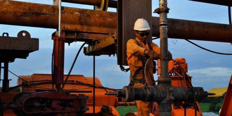 Cámara Petrolera entregó propuestas para reformar la Ley de Hidrocarburos