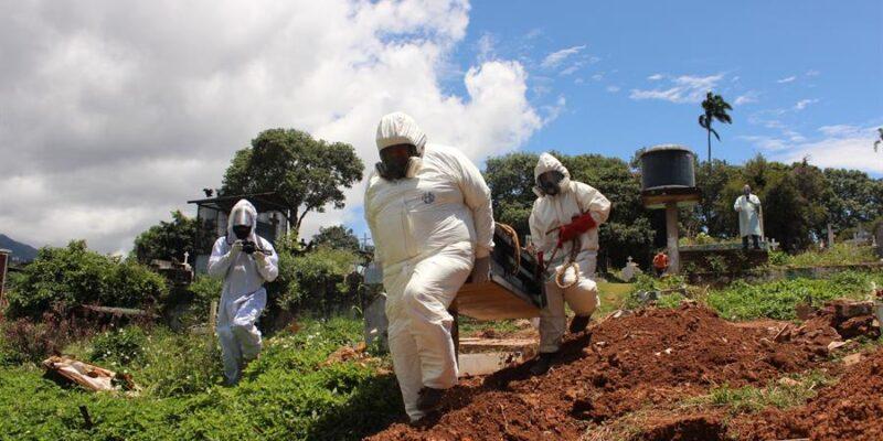 DOBLE LLAVE - Venezuela llegó a 1.228 muertes por COVID-19 en 328 días de pandemia