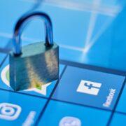 De acuerdo con los expertos digitales existen varias formas de proteger tu cuenta y seguir disfrutando de las herramientas y servicios en línea