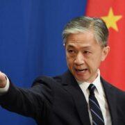 Las autoridades asiáticas esperan que el país resuelva de inmediato sus problemas de acuerdo a lo que establecen sus leyes