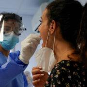 El estudio llevado a cabo en España demostró que este síntoma aparece en la piel de los contagiados, incluso después de superar la enfermedad