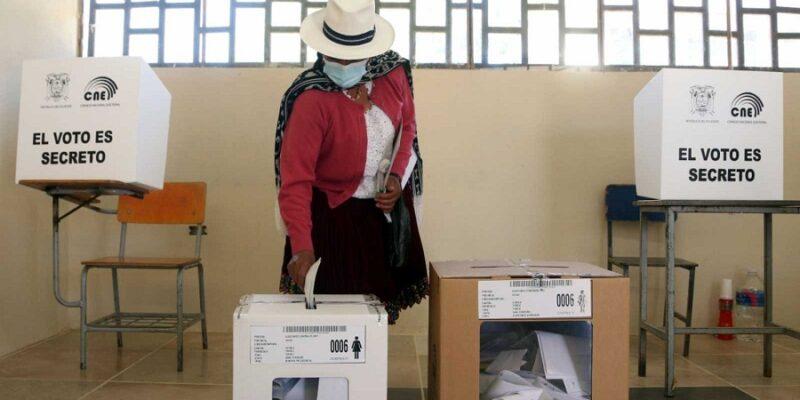 DOBLE LLAVE - Consejo Electoral de Ecuador se reúne para analizar recuento de votos