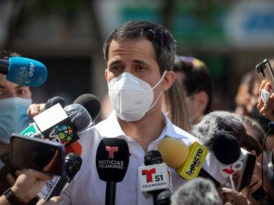 DOBLE LLAVE - Juan Guaidó dio positivo por Covid-19