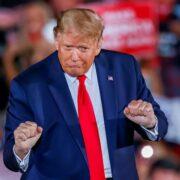 Doble Llave - Trump volverá a las redes sociales con una plataforma propia