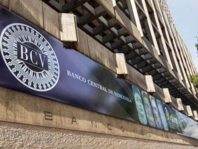 Extensión del cono monetario servirá para pagar pasajes, según economista