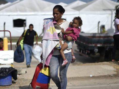 España analizará con ACNUR situación de refugiados de Centroamérica y Venezuela