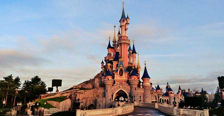Disneyland París se convertirá en un gran centro de vacunación