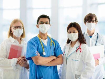 Cerca de 115.000 empleados sanitarios fallecieron por el SARS-CoV-2, según la OMS