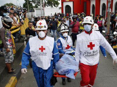 Reportan tres muertos en hechos confusos durante protesta en Cali