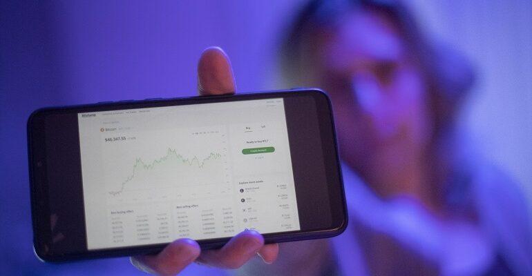 eBay estudia implementar los pagos con criptomonedas y la venta de NFT