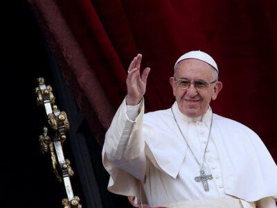 """El Papa pide una """"reforma a fondo de la economía"""" que proteja a trabajadores"""