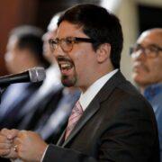 Freddy Guevera fue detenido por funcionarios de seguridad